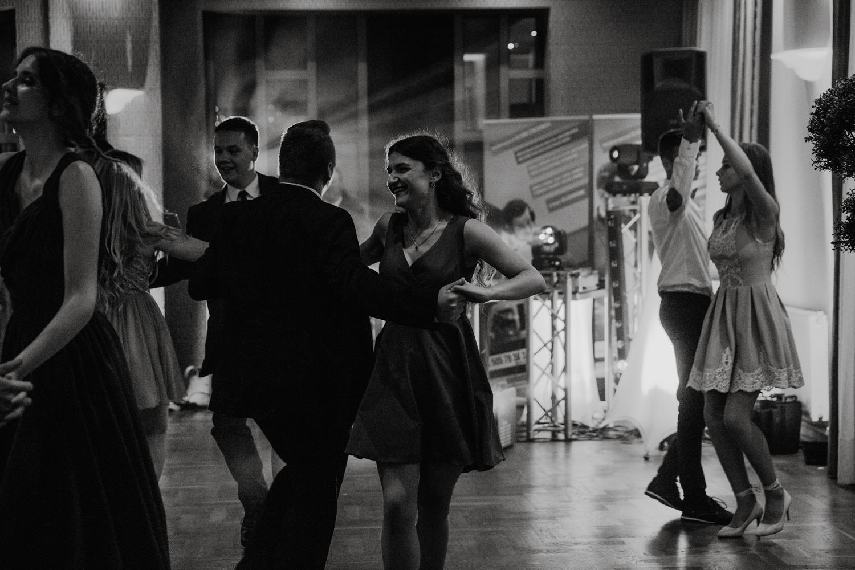 session-Kinia&Tomek-wedding-photographer_320.jpg