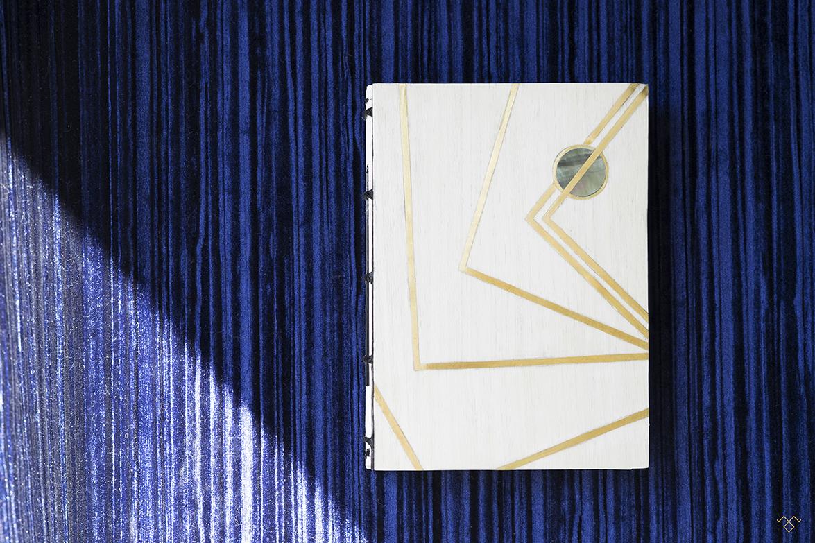 Rinck-Manufacture-carnet-marqueterie-nacre-laiton-blanc.jpg