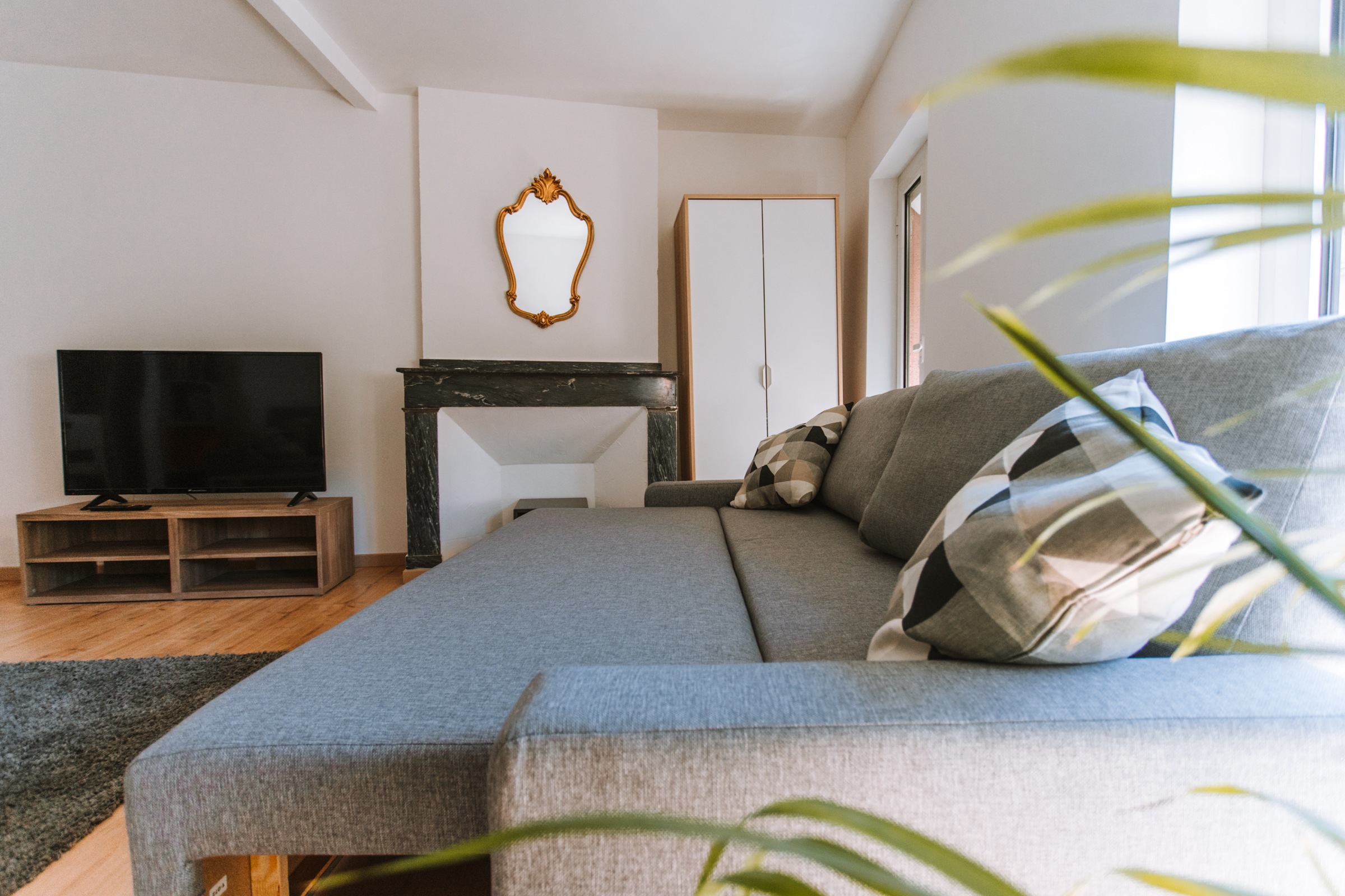 Geoffrey-Lucas-comissions-rent-home-toulouse-4.jpg
