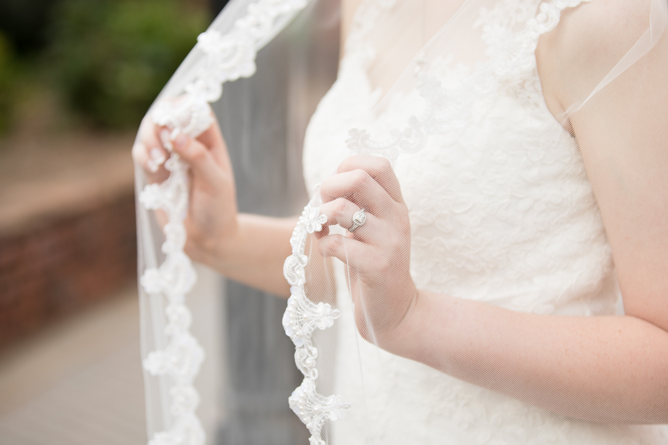 I loved the delicate details of Melanie's veil!