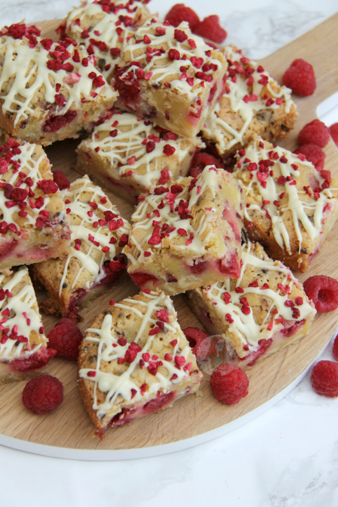 white choc raspberry blondies - janespatisserie.com
