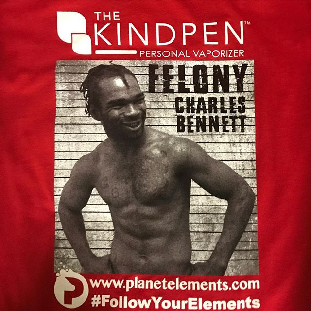 Fight tees for Felony Charles Bennett 👊👊 @felony_352 @thekindpen @planet_elements @fighthardmma #screenprinting #screen #print #printing #followyourelements #silkscreen #mma #felony #plastisol #custom #apparel #shirts #tshirts