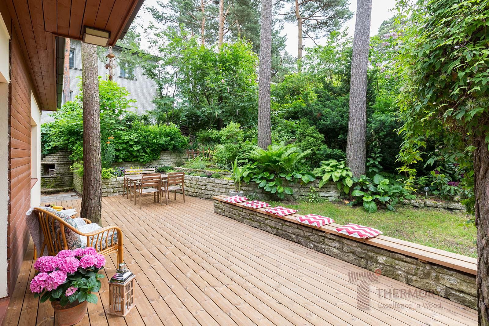 Thermory Pine Decking_D45J 26x118_PaCS_Estonia_wm(18).jpg