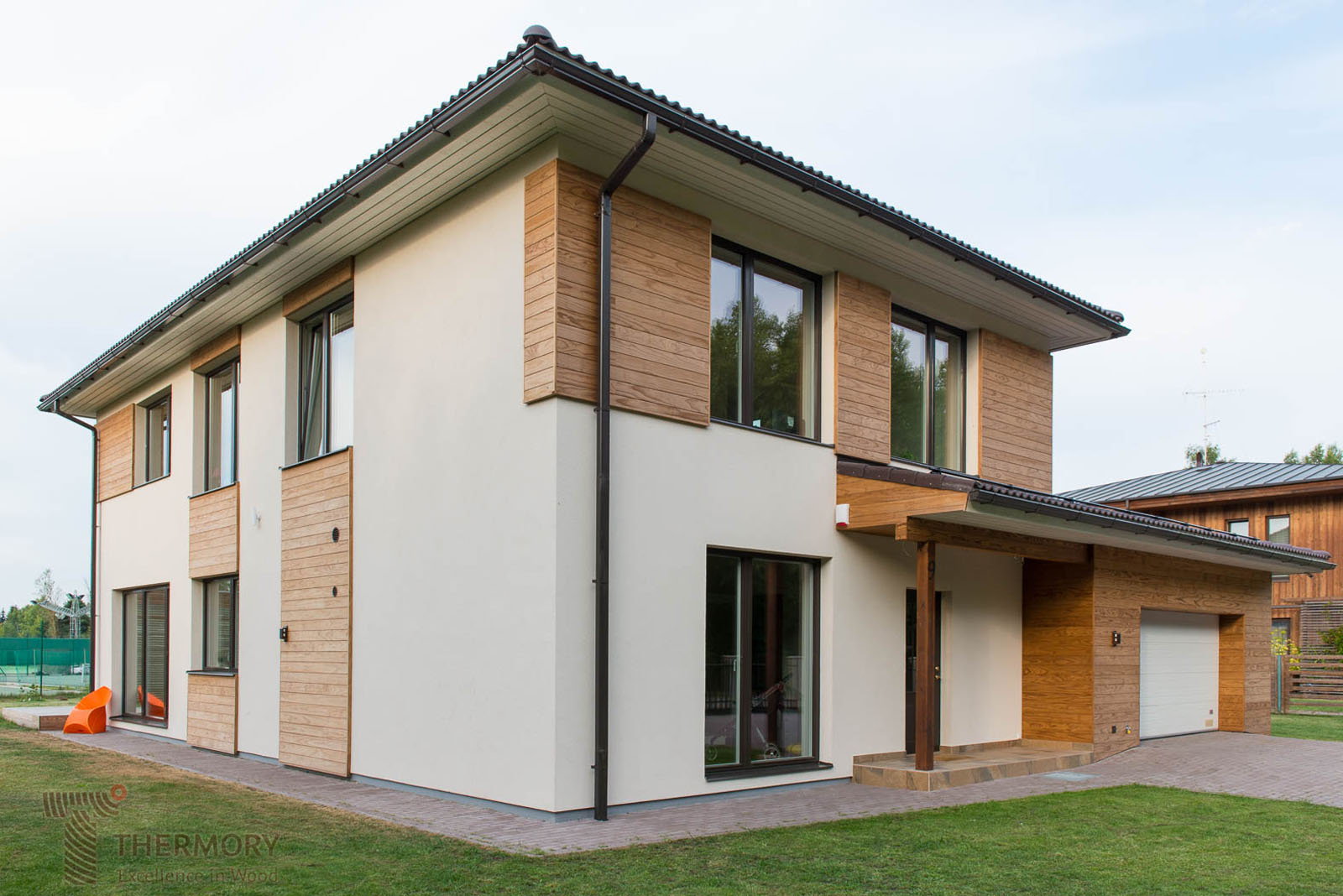 Thermory Clear Pine_Cladding, private house(1).jpg