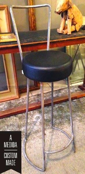 Taburete en hierro y tapizado en polipiel - Se hace a medida
