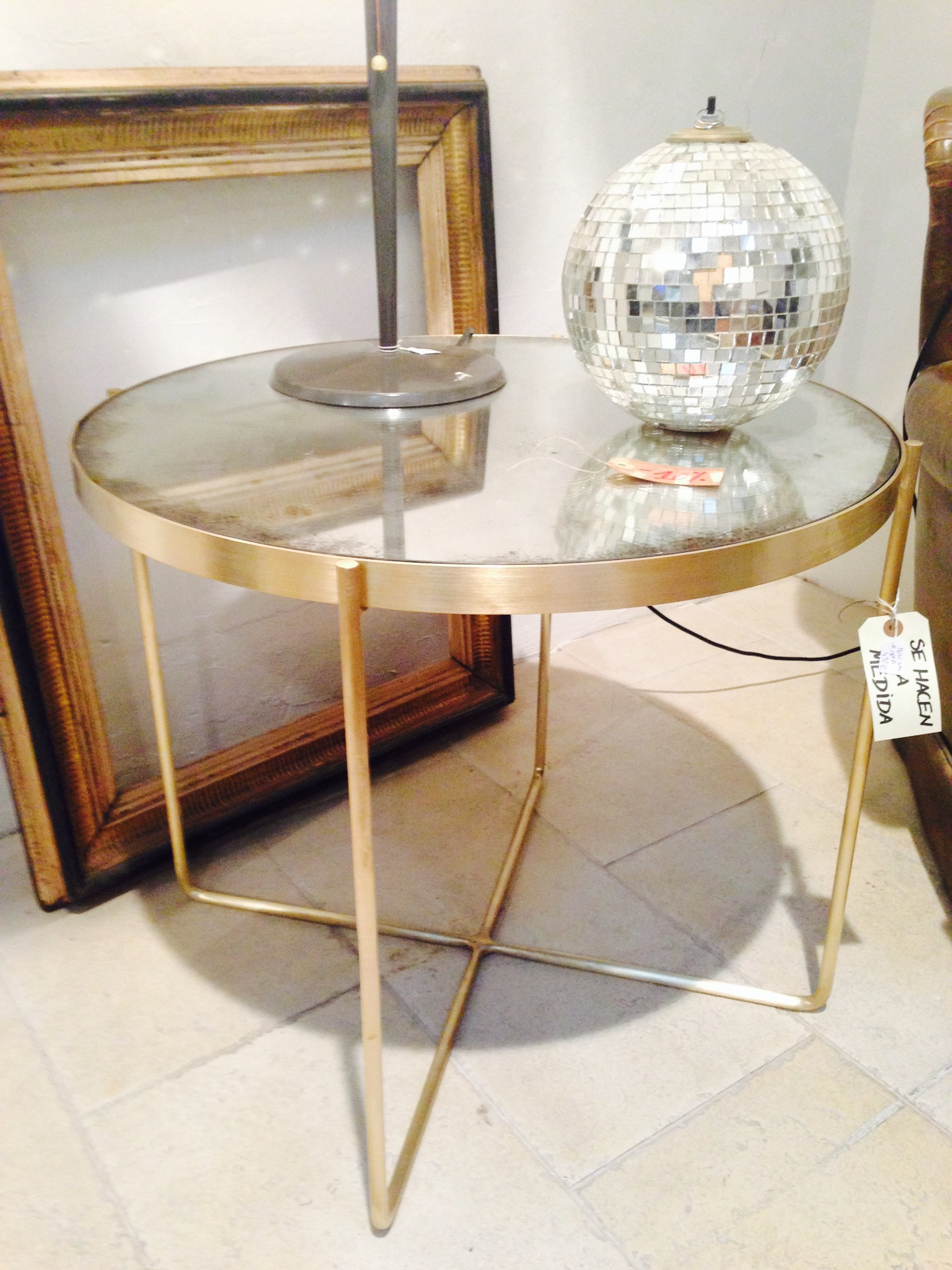 Mesa de laton con bandeja de espejo envejecido - Se hace a medida