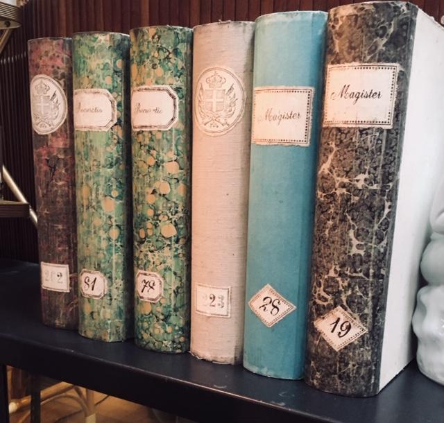 Cajas libro venecianas