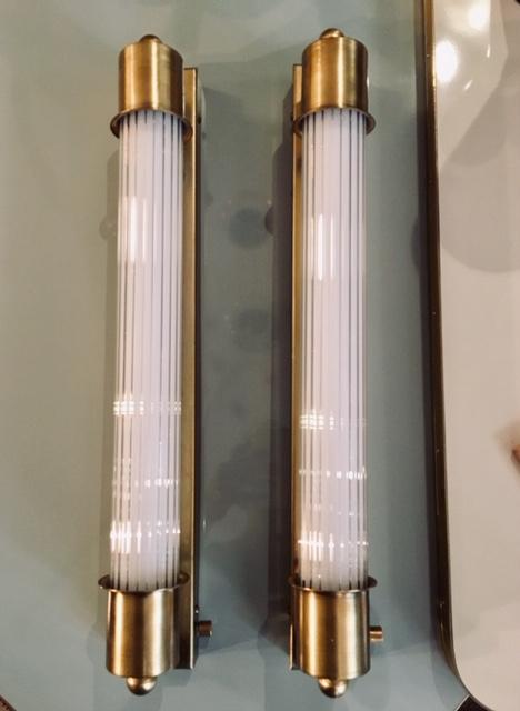 Aplique vintage con tubo de cristal rayado