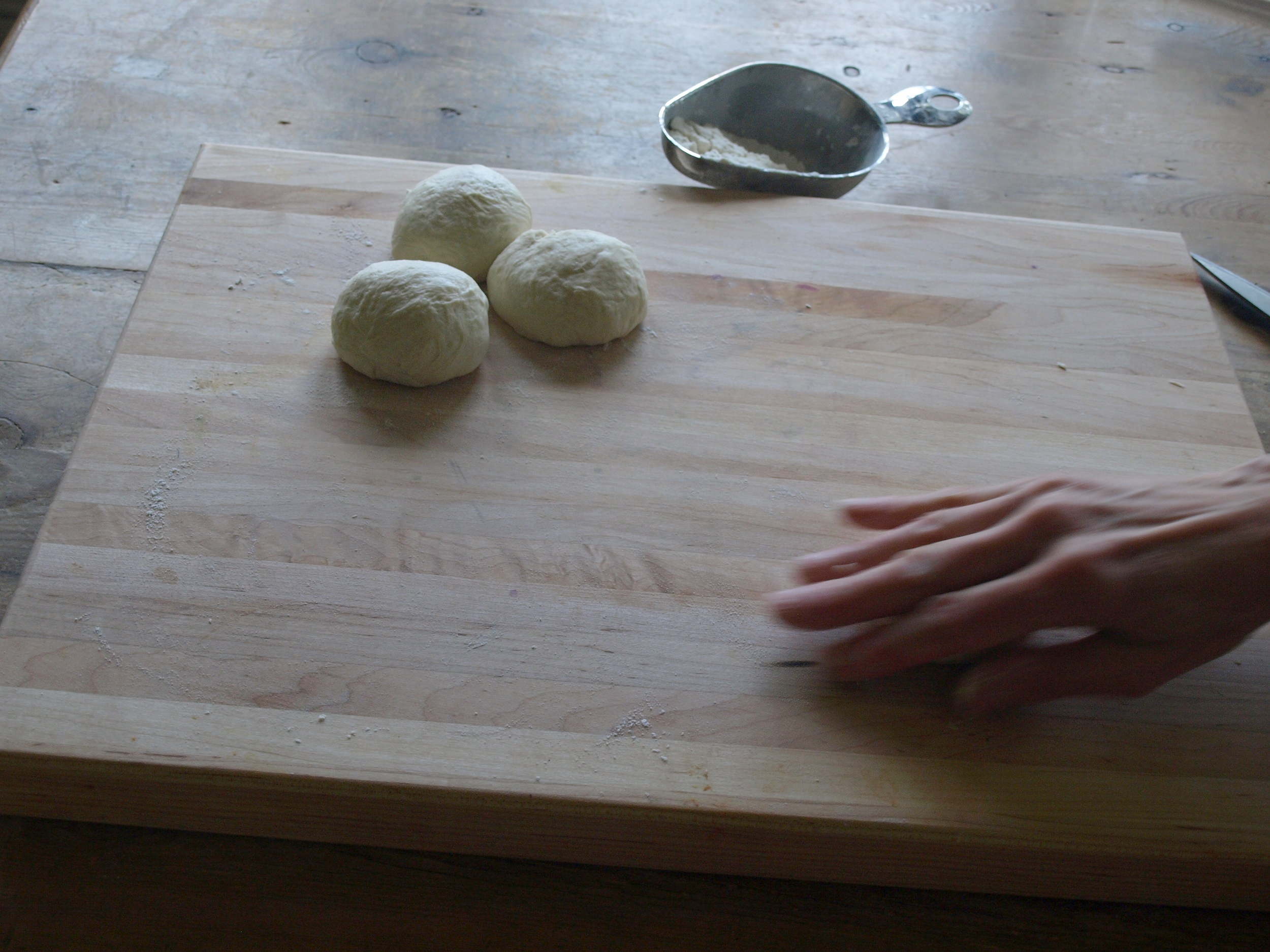 Roll the dough into balls.
