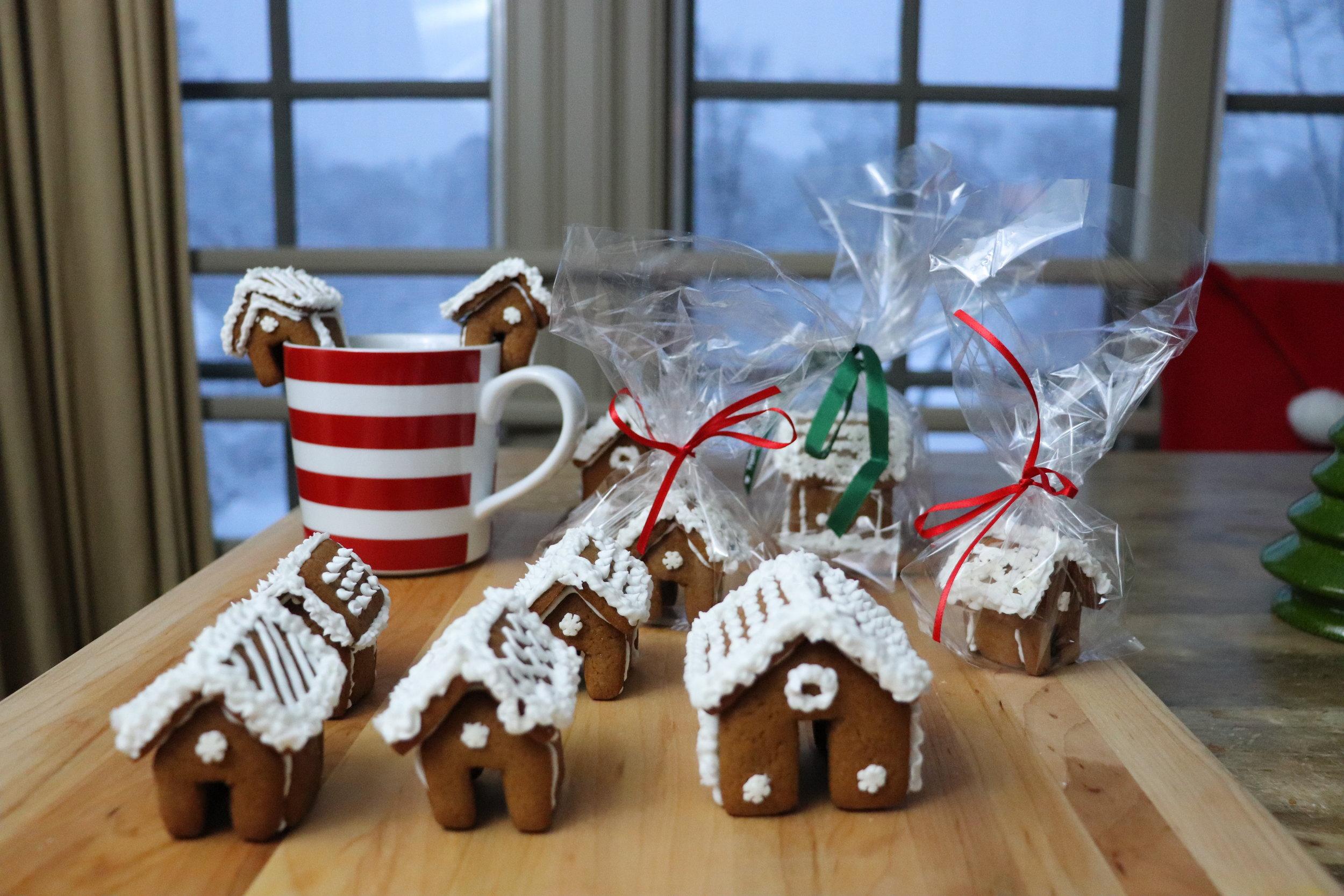 Gingerbread Houses - Mini