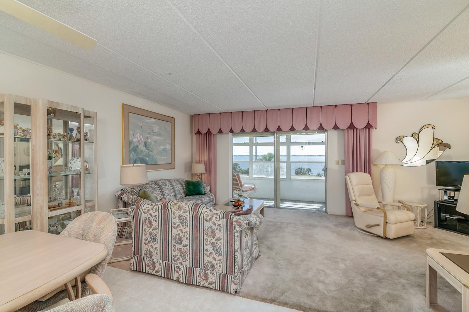 Condominium For Sale in Melbourne, Florida