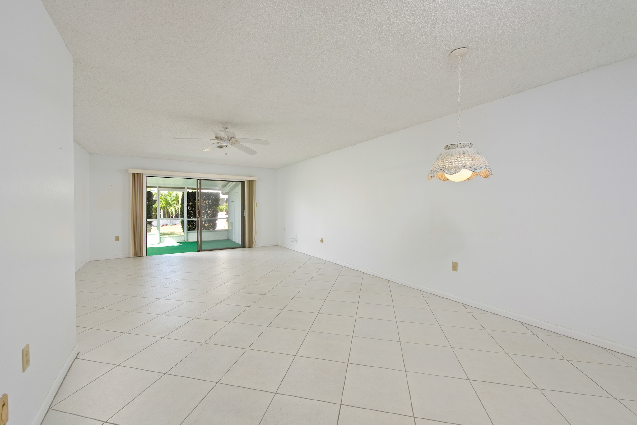 170 Palmetto Ave #22-4 Indialantic, Florida. Townhouse for sale by Brent Burns. 2 bedroom villa close to the beach.