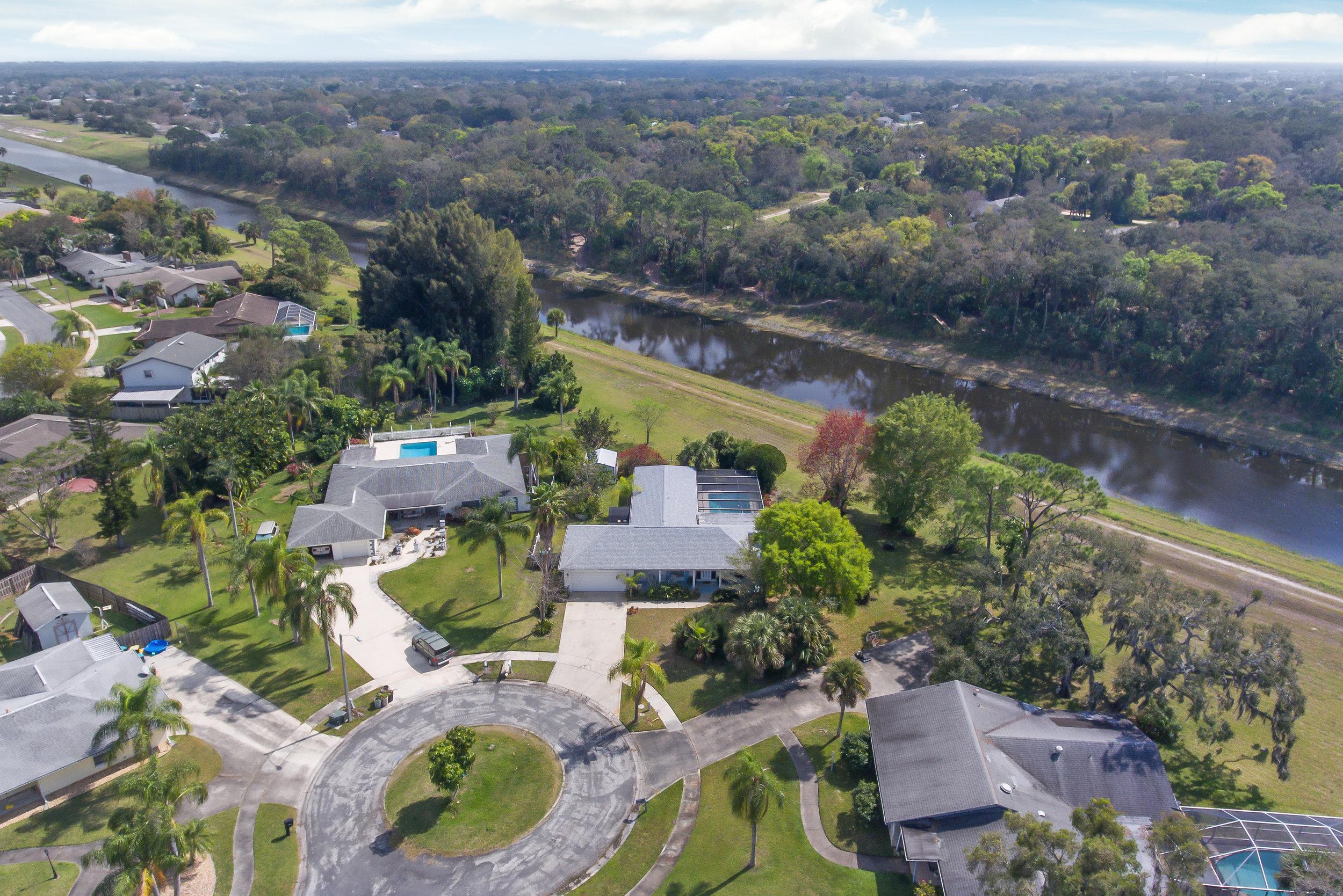 606 Dunbarton Circle NE Palm Bay, FL 32905. For Sale by Brent Burns