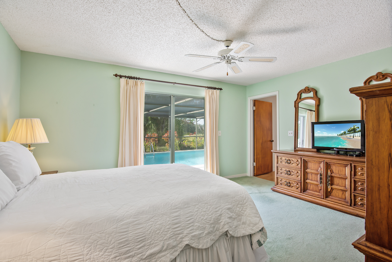 606 Dunbarton Circle NE Palm Bay, FL 32905. Master Bedroom. For Sale by Brent Burns.