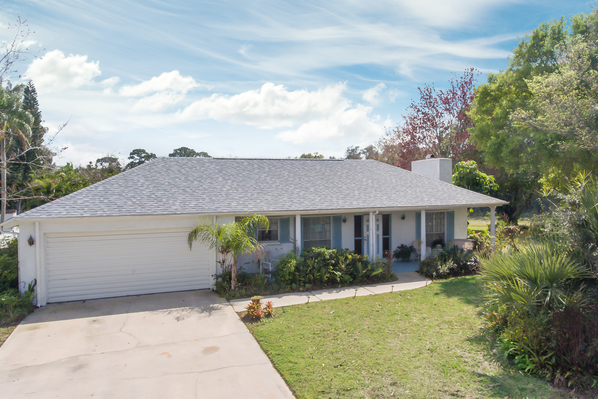 606 Dunbarton Circle NE Palm Bay, FL Well maintained 3 bedroom, 2 bathroom, pool home For Sale by Brent Burns.