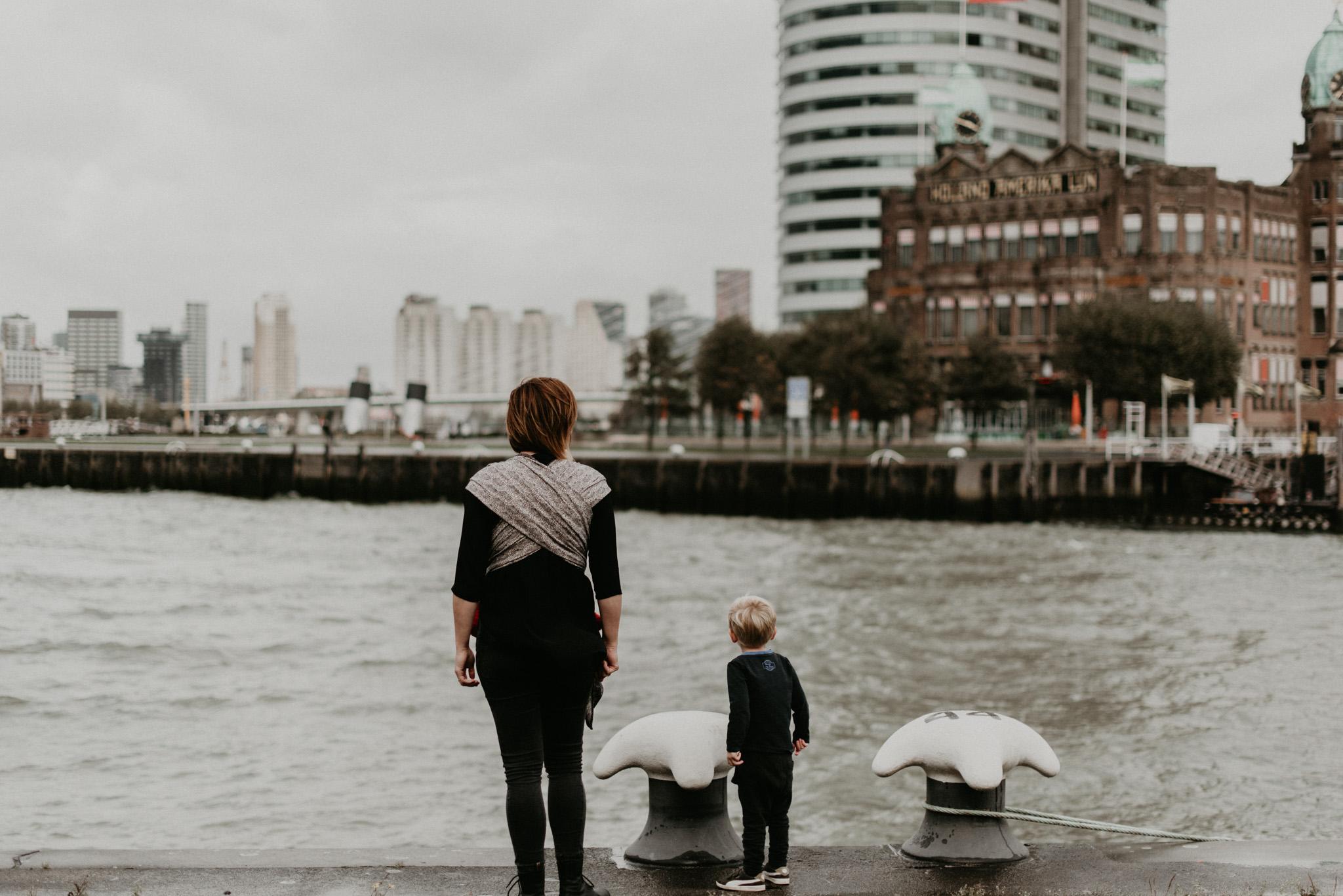Rotterdam Family Photoshoot op Kop Van Zuid