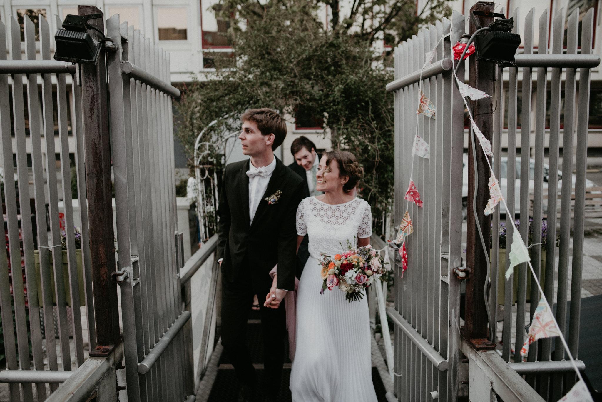 bride and groom walking into vessel 11 in rotterdam nederland