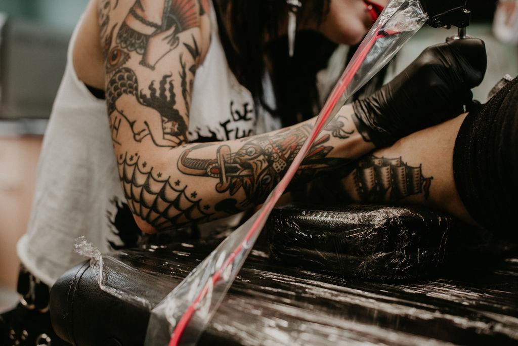 Moira Ramone Traditional Tattooer- Rotterdam Branding