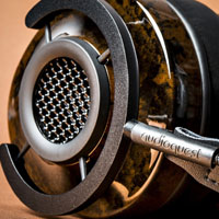 AQ Headphone1 200x200.jpg