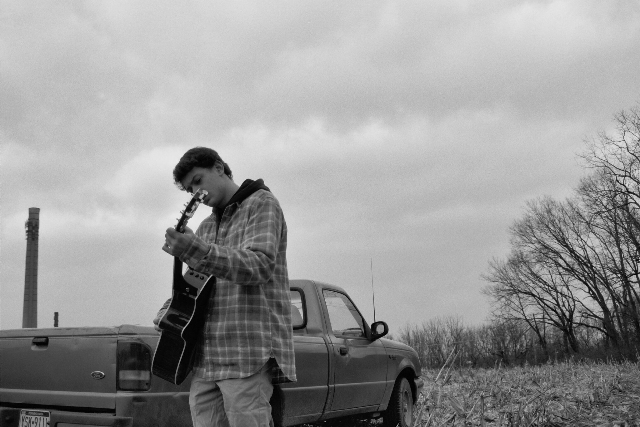 """Holden Miller - Holden Miller is a singer-songwriter from Long Island, New York. After releasing his debut single """"Pennsylvania"""" in January 2019, Holden has tallied over 95,000 streams and counting. He released his second single, """"Flashbacks and Fun Facts"""", in May 2019 and is working on putting together his first EP."""