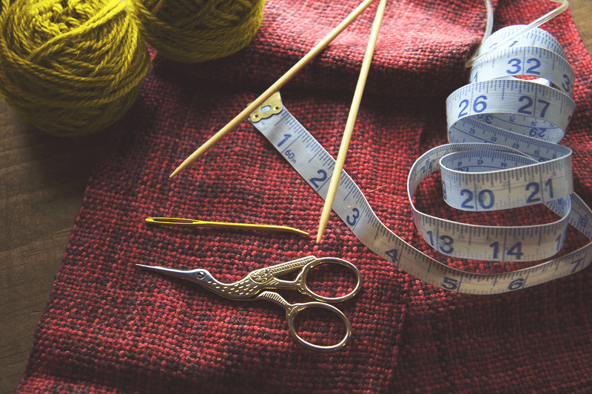 how to knit tools scissors tape measure