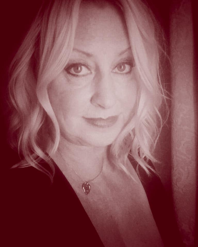 Maggie Van Der Toorn portrait photo.