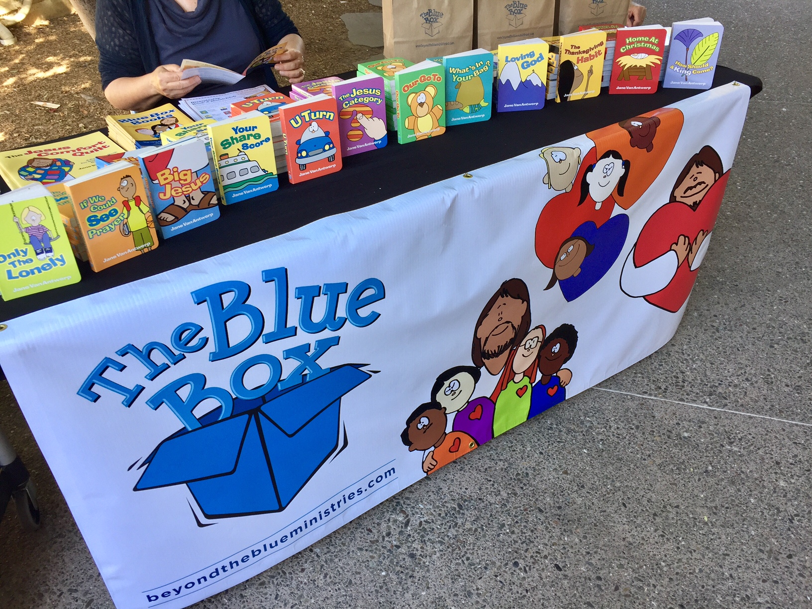 WANT A BLUE BOX TABLE AT YOUR CHURCH?  We love visiting churches in our area (Seattle & PNW), meeting kids and families, and sharing Blue Box Books and resources.  Contact us  for information.