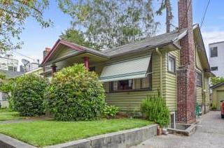 Just reduced the price on my new rental in Queen Anne! $1800/m bottom floor of this classic craftsman bungalow!  2 bed, 1 bath. Great location and private backyard!  Seattlerentals.com/20069 #seattle #seattlerentals #rentalproperty #queenanne #queenanneseattle #southlakeunionseattle #southlakeunion #homesforrent #crafsman #rentals