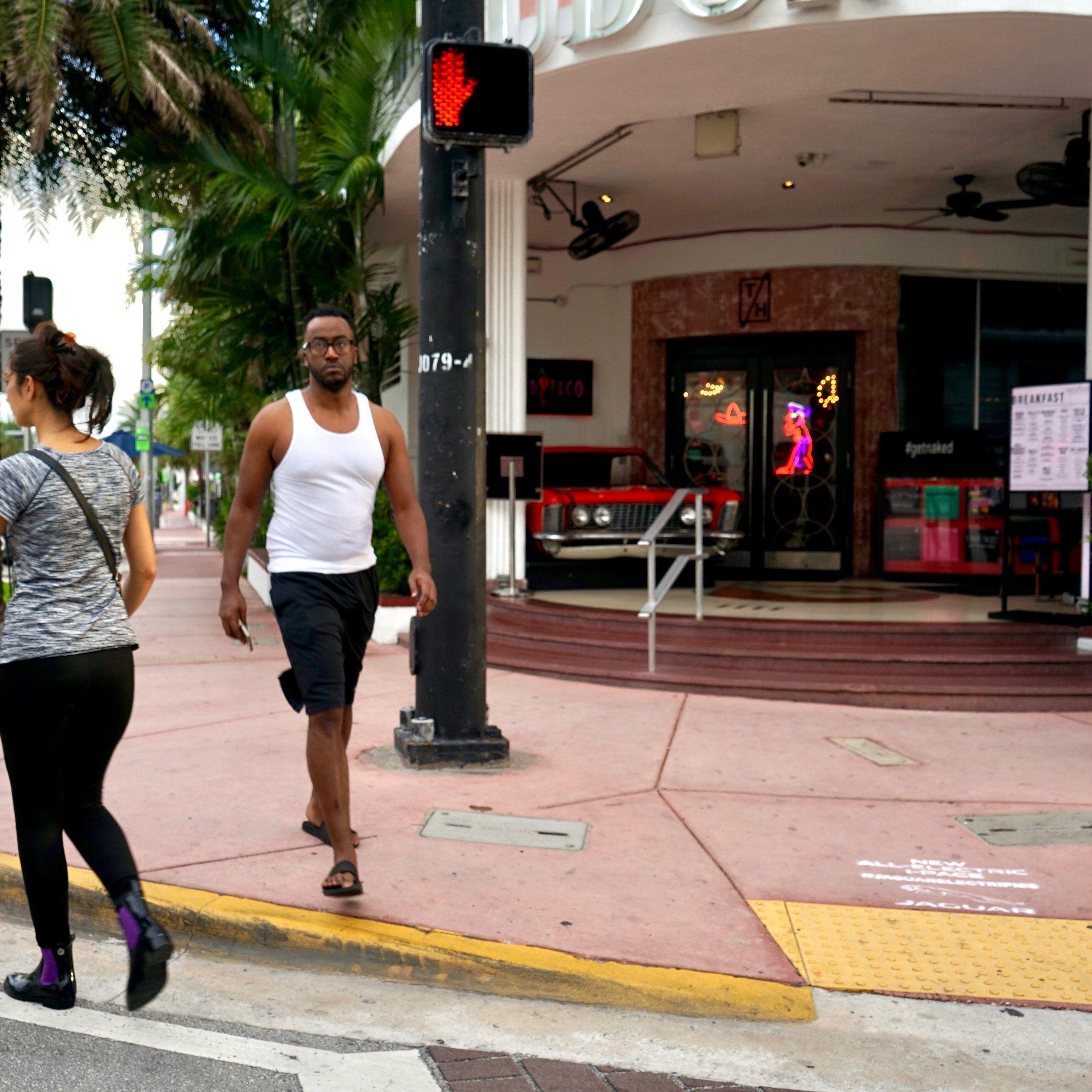 2018_10_7_COM_JaguarStencils_Miami_006.jpg