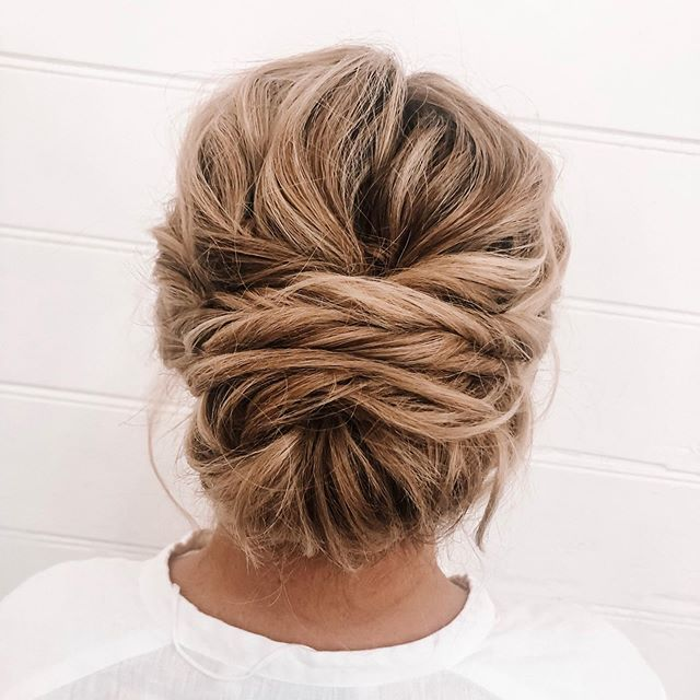 What's the best bridal hairstyle? The one that you love and feel most confident in. It's the most important wedding tip I can give to any bride. 👰