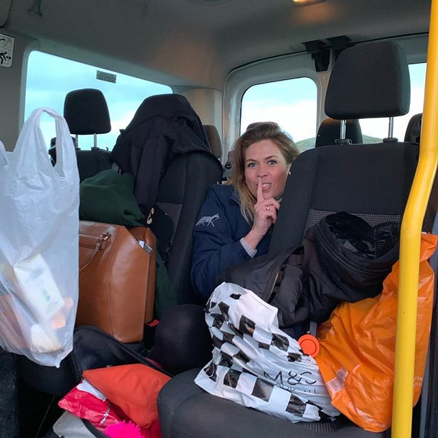 A little cheeky surprise for the team! #StowawaySarah @sarahmytomhart will be taking over night time support team and social.  REMEMBER DONATE AND GUESS FINISH TIME TO WIN!!