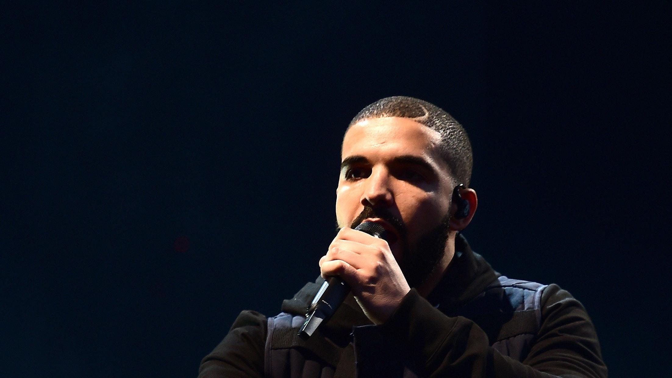 Drake donates $1M music video budget to Miami community (English ver.)