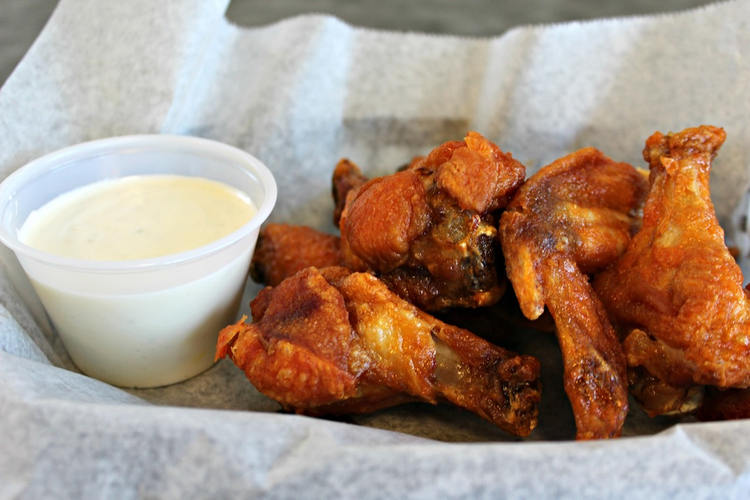 adrians-pizza-gibsonia-wings.JPG