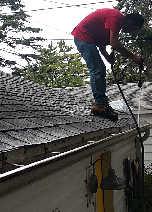 Chicago - Gutter - Cleaning - Water.jpg