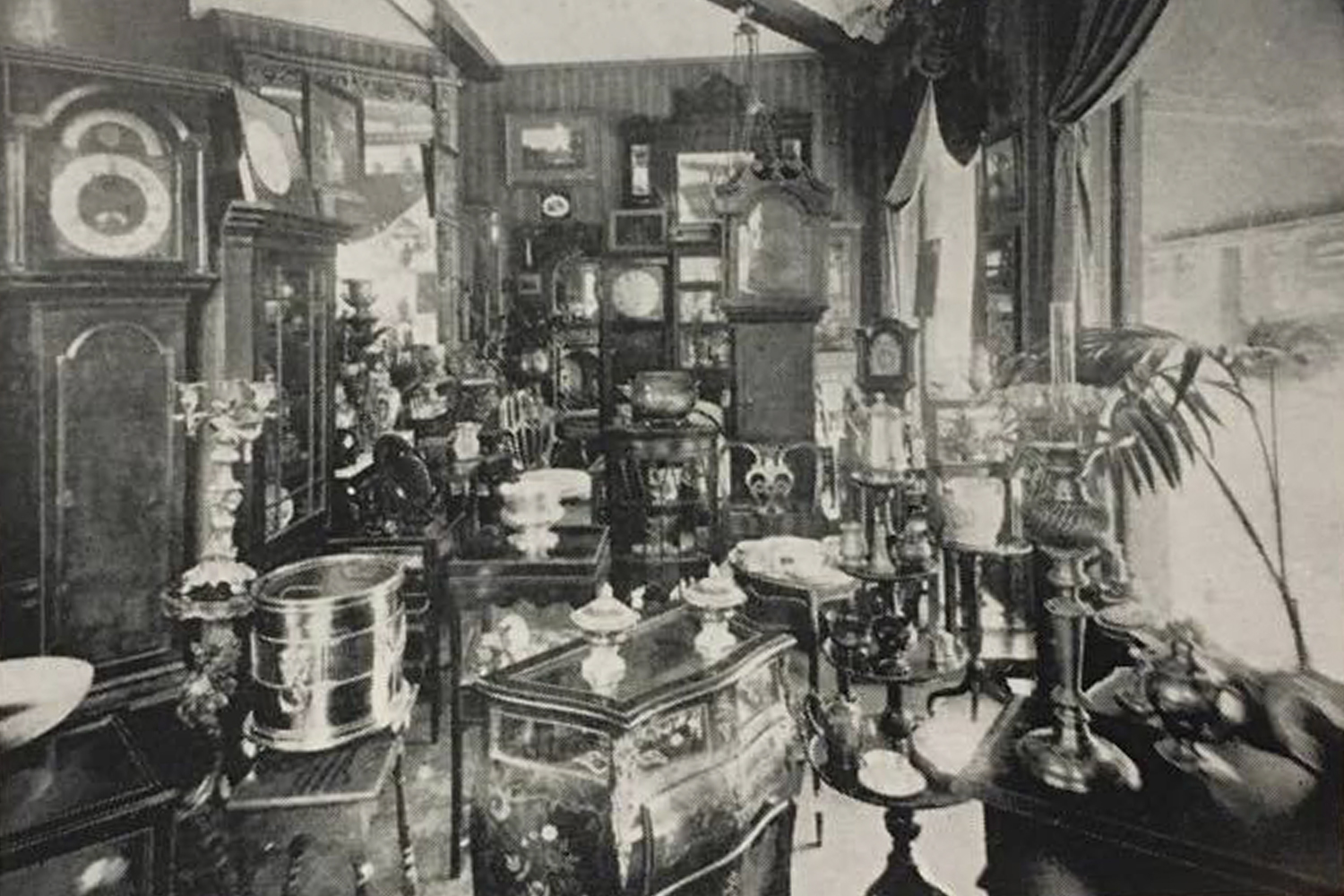 One of the clocktower showrooms, prior to Tony moving in