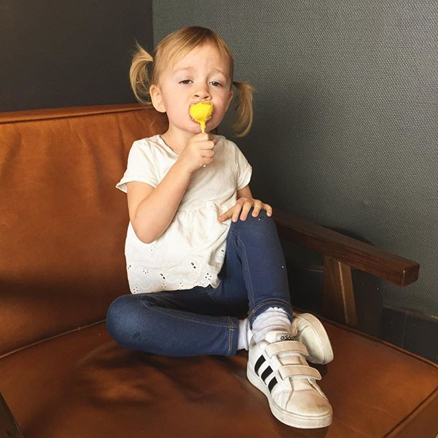 We're realizing now from our posts how much time we spend in coffee shops 😬. This might be a problem.  Until then, this is the look of a girl savoring her cake pop. . . . . . #clickinmoms #cameramama #letthekids #letthembelittle #letthembewild #wildandfree #candidchildhood #wilmingtonncphotographer #ncphotographer #childphotographer #familyphotography #momtogs #pursuejoy #wilmingtonnc #my_magical_moments #shotwithlove #celebrate_childhood #sharejoy #childrenseemagic #oureverydaymoments #simplychildren #treasuringlittlememories #clickmagazine