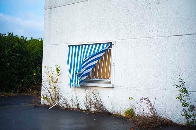 .NORTHSCAPE -THOMAS KLOTZ - LOCI 2 - 25 septembre 2019 - #books #edition #photography #loci #eydparis #thomasklotz #landscape #places #geography #france #north #nord #walls #window #blue #stripes #urban #street #rue #murs