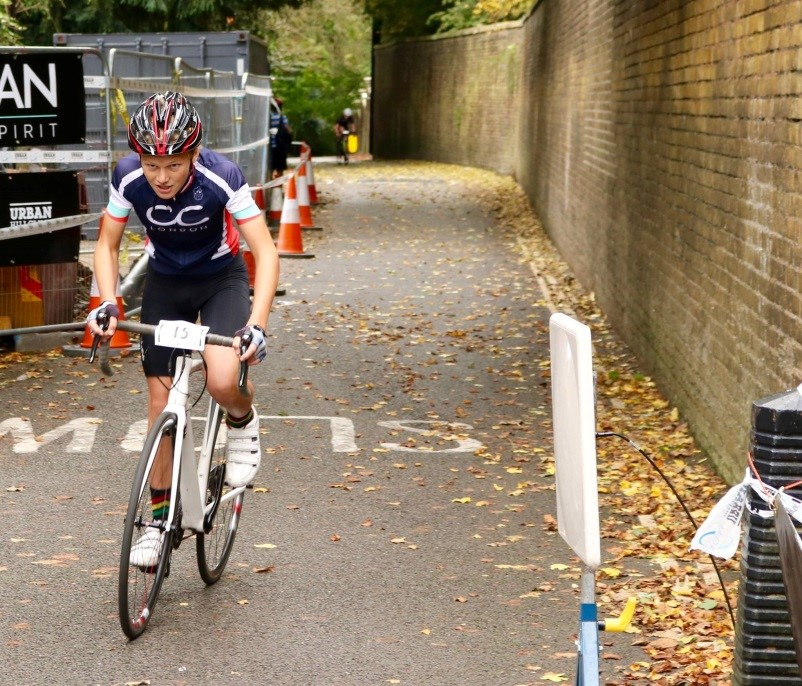 URBAN HILL CLIMB 2017    Each year, hundreds of cyclists don their lycra and descend upon Highgate, a quiet North London suburb, home to a variety of coffee shops and organic food stores for the well-heeled Highgate residents. But behind this tranquil façade, is a hill of such ferocity, it has been known to make grown men weep. It is known only as Swains Lane.  Compared to mountains like...  Oscar Smith