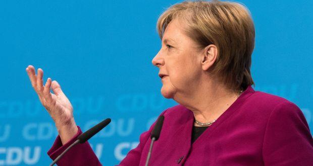 DAS ENDE DER VOLKSPARTEIEN    Die deutsche Politik läuft ganz anders als in Großbrittanien. Das Wahlsystem heißt, dass die Sitze im Parlament selten für eine absolute Merheit einer Partei reichen. Deswegen müssen Koalitionen aus verschiedenen Parteien…   Von Alex Beard