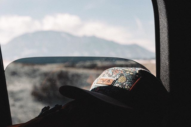 🗻🗻🗻 . . . #handmade #northernmichigan #madeintheUSA #keefcompany #hatsofinstagram #ecofriendlyclothing #hats #coolhats #dadhats #5panel #repurposed #recycled #recycledtextiles #outsiderculture #adventure #vsco #liveoutdoors #optoutside #outsidewear #liveauthentic #travelhat #colorado #boulder #shopsmall
