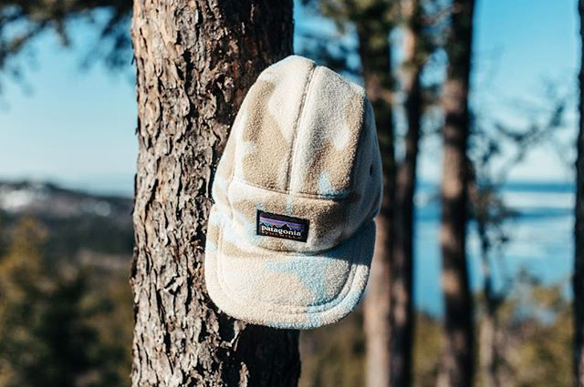 x1 Patagonia fleece 5-Panel —  keefcompany.com . | 📸: @rachhaggs | . . . #handmade #northernmichigan #madeintheUSA #keefcompany #hatsofinstagram #ecofriendlyclothing #hats #coolhats #dadhats #5panel #repurposed #recycled #recycledtextiles #outsiderculture #adventure #vsco #liveoutdoors #optoutside #outsidewear #liveauthentic #travelhat #puremichigan #michigrammers #michiganmade #shopsmall #patagonia #patagoniafleece