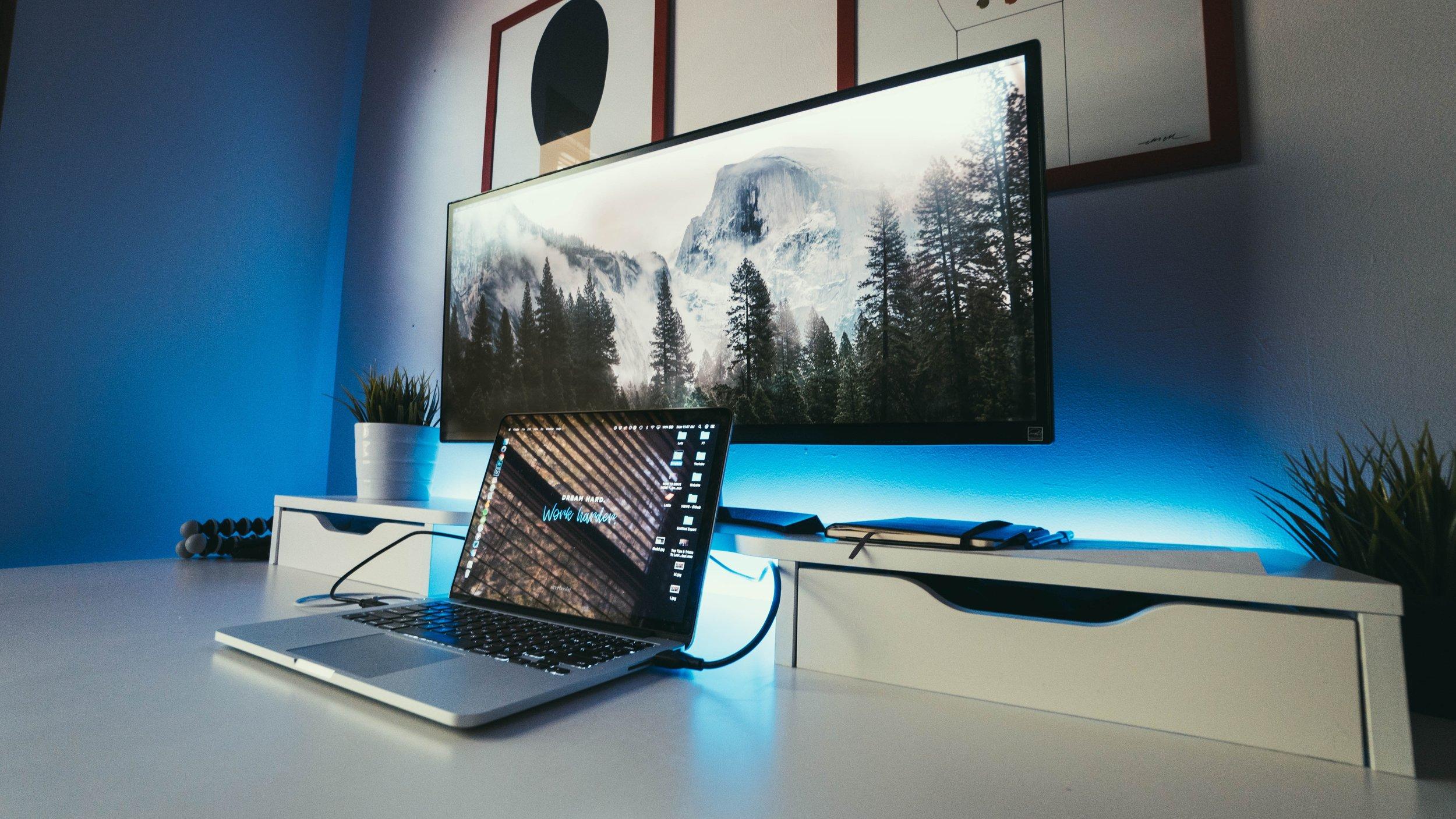screens and blue light.jpg