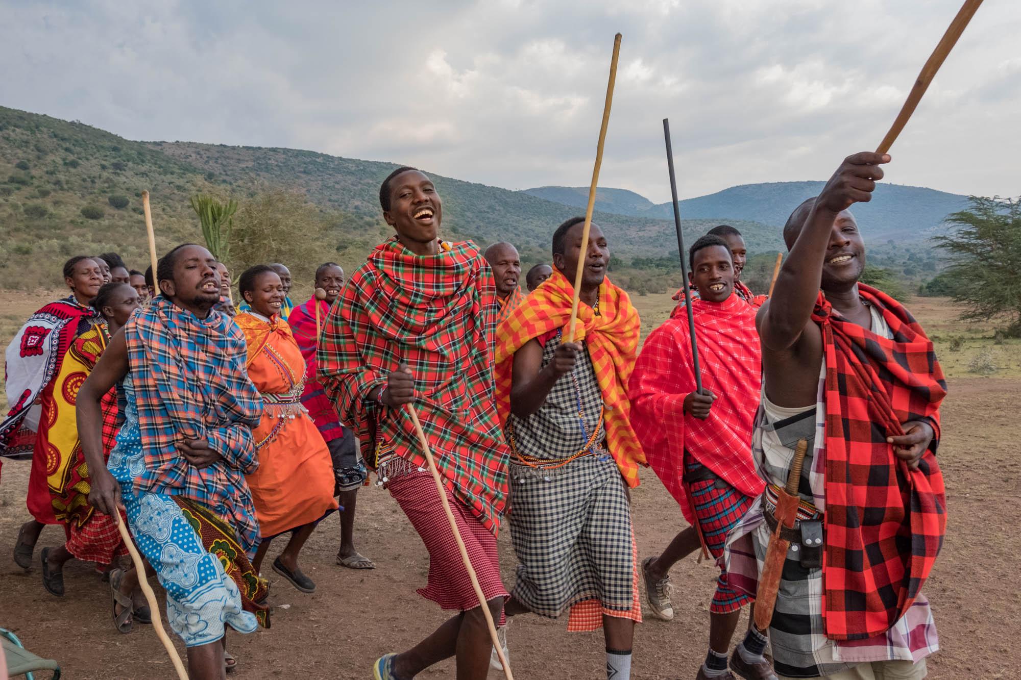 maasai-greeting-bogani-we-kenya-2018-01-01.jpg
