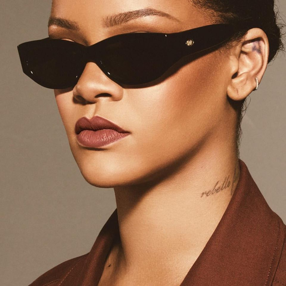 RIHANNA FENTY BEAUTY STUNNA UNCUFFED LIP PAINT.jpg