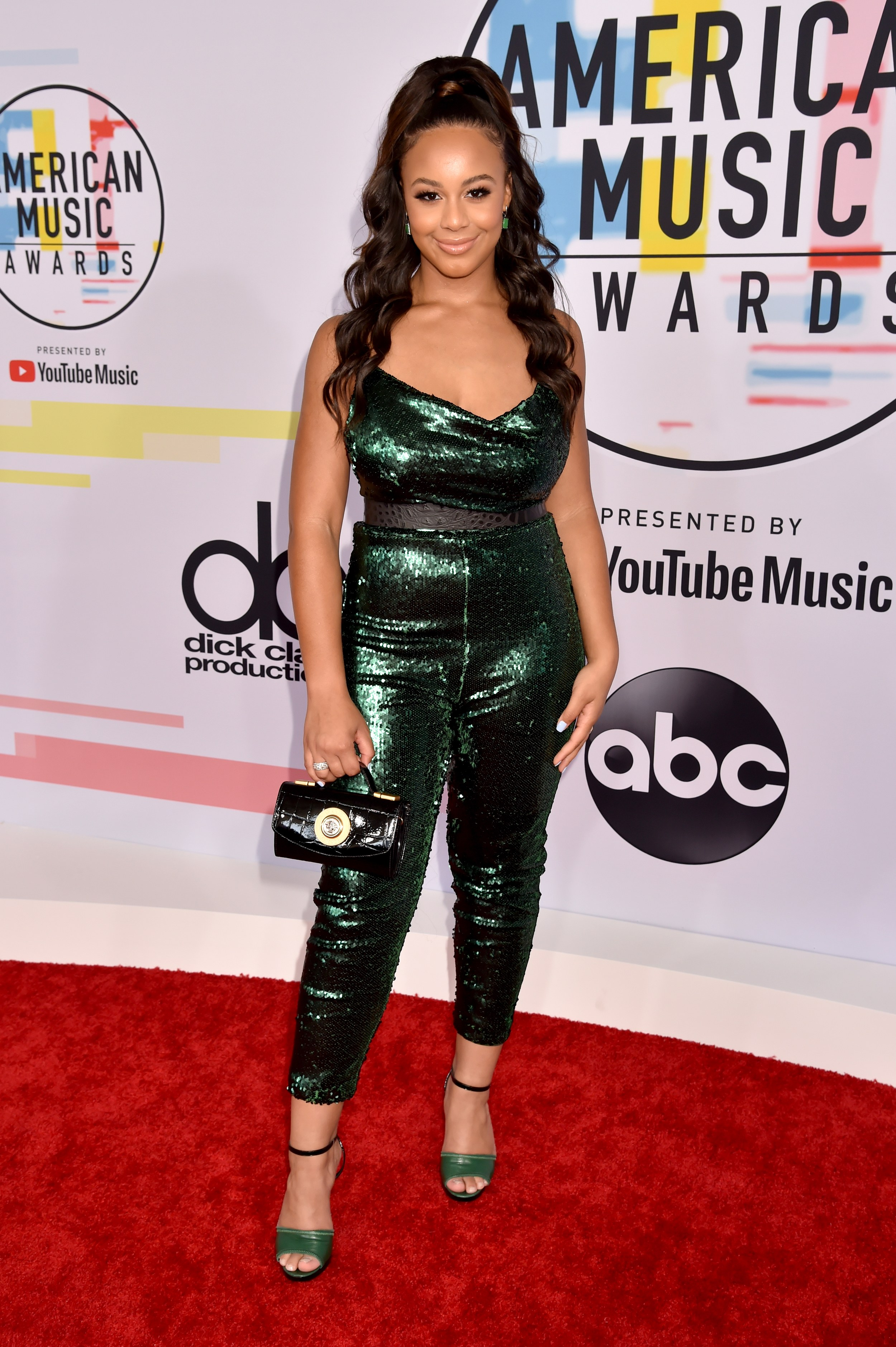 AMERICAN MUSIC AWARDS 2018 RED CARPET NIA SIOUX.jpg