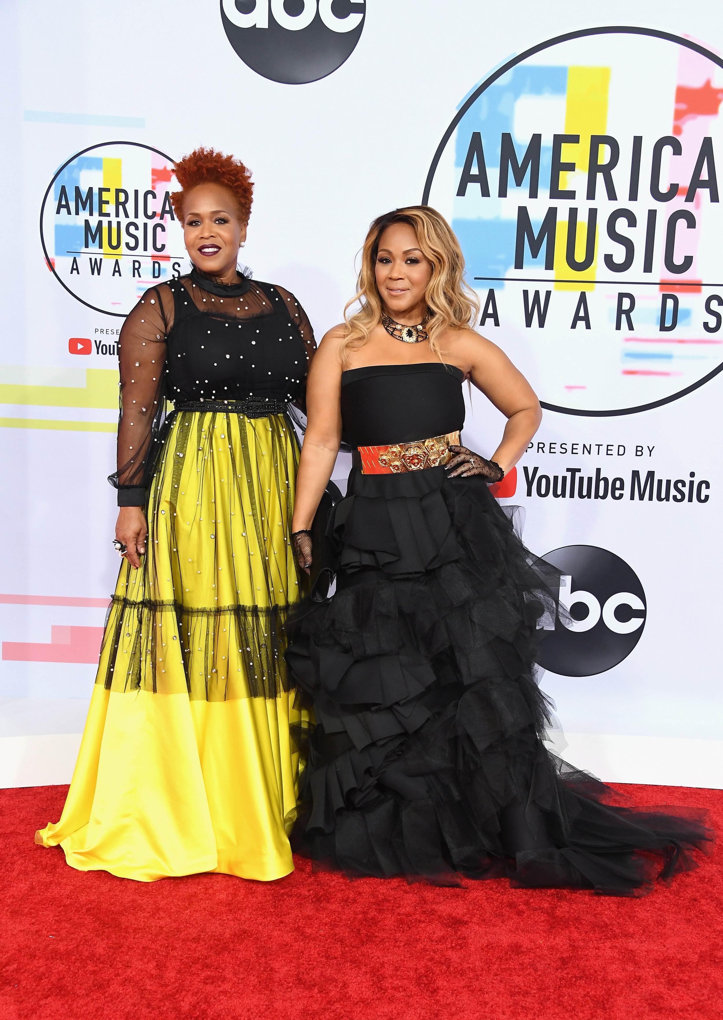 AMERICAN MUSIC AWARDS 2018 RED CARPET MARY MARY.jpg
