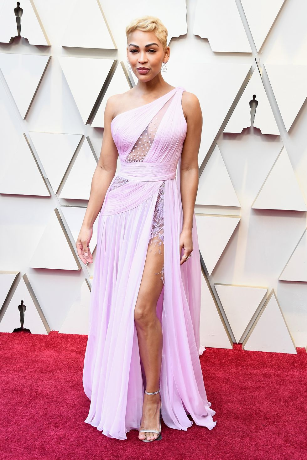 MEAGAN GOOD - In Georges Chakra.