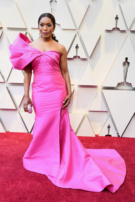 """QUEEN MOTHER"" ANGELA BASSETT - In Reem Acra"
