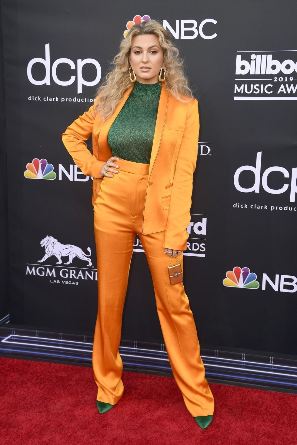 BBM AWARDS 2019 RED CARPET TORI KELLY.jpg