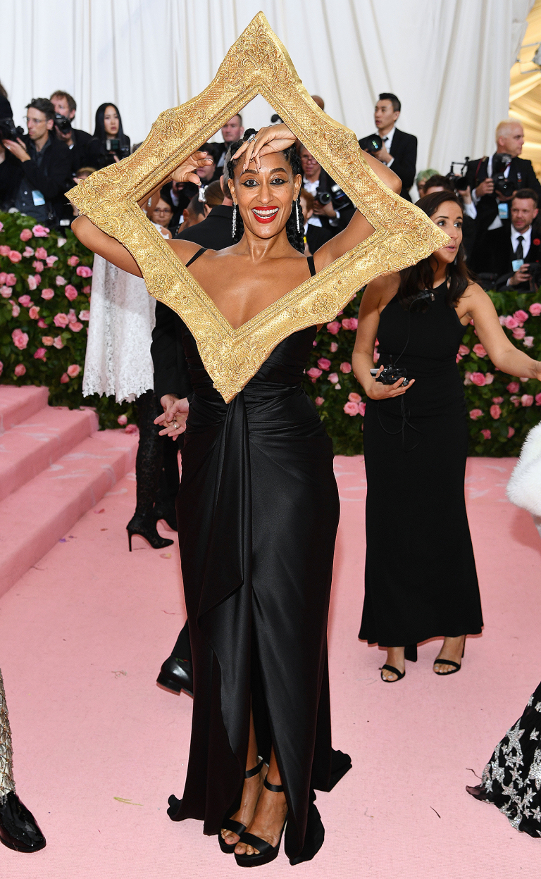 - TRACEE ELLIS ROSS IN MOSCHINO